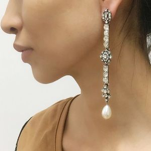 Jewelry - NEW Vintage Design Long Rhinestone Pearl Earrings